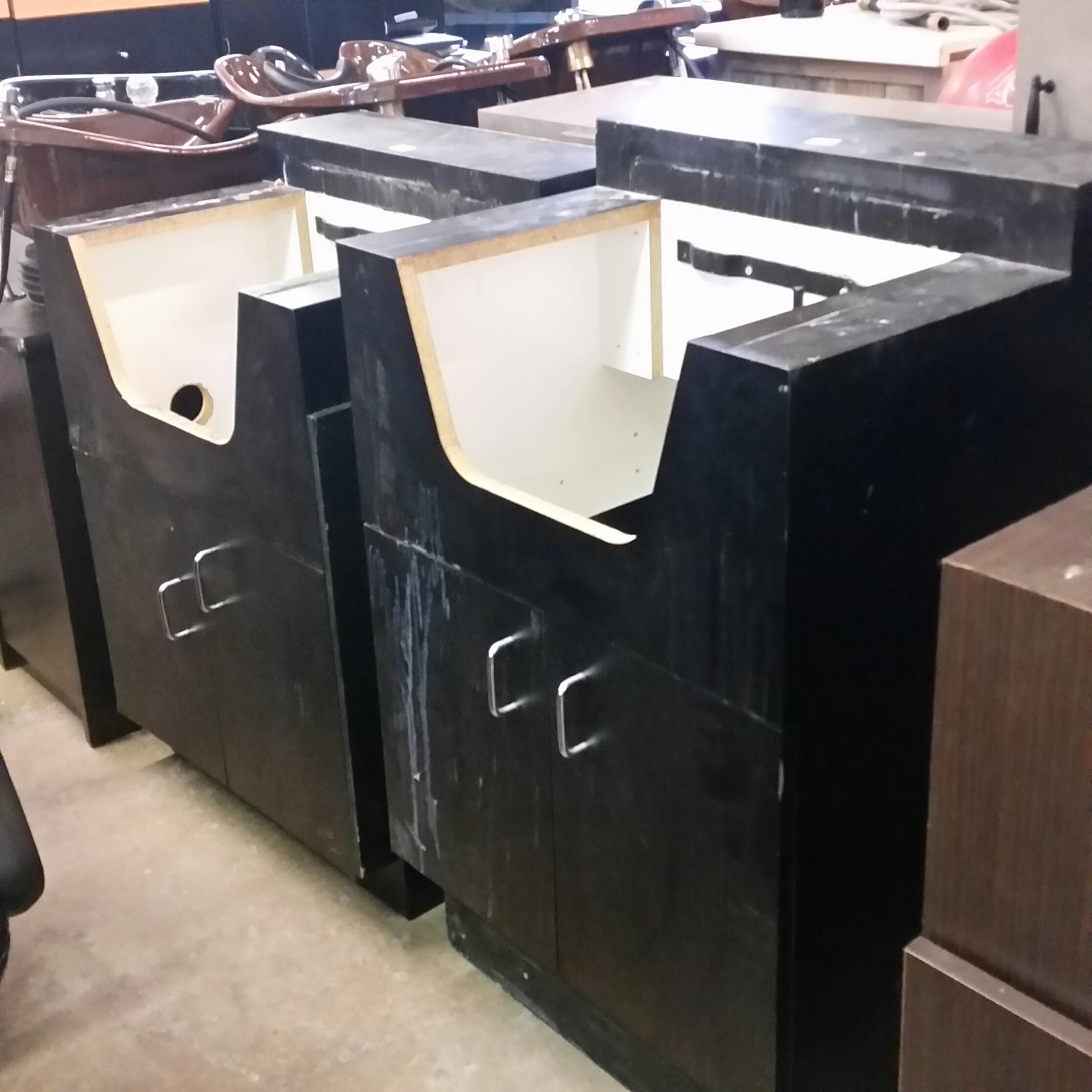 Attirant Shampoo Bowl Cabinets