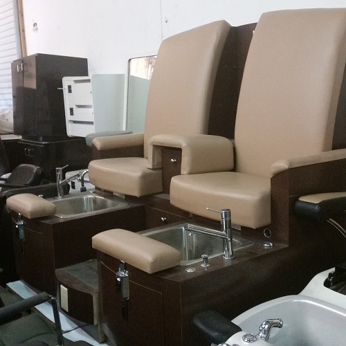 Image gallery mani pedi chair for Beauty salon equipment warehouse